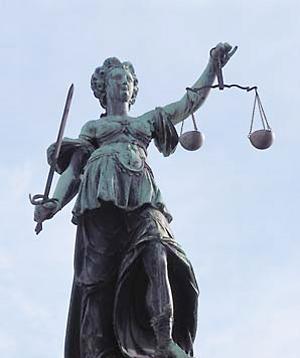 Anwälte und Detektive Sie kämpfen für Dich